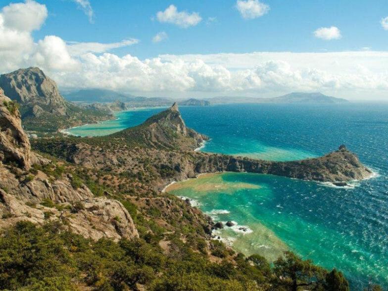 Где отдыхать на Черном море — лучшие курорты России