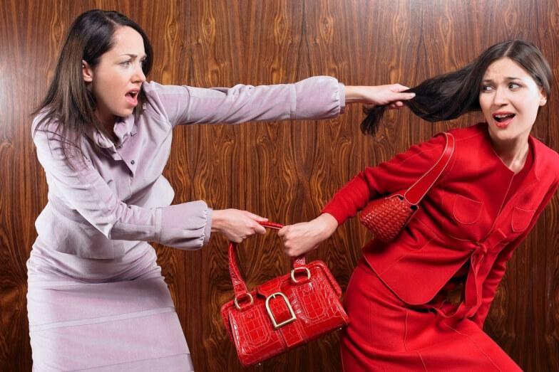 Как навредить сопернице. Как отомстить любовнице и наказать ее? Любовница опротивеет после подклада